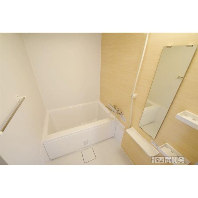一日の疲れを癒してくれる浴室は浴室乾燥機付