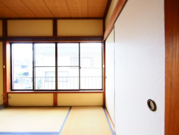 和室は有るだけでも落ち着く空間ですが、多目的なスペースとして活用出来ます。