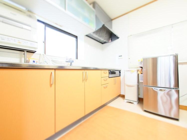 「料理をつくる」「味わう」ことを、同じ空間、同じ時間に共有できるから、ダイニングキッチンが家族団らんの場所になる。