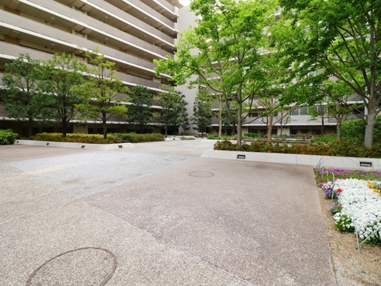 手入れの行き届いたマンションは、住み心地も良く、資産価値も維持されます。マンションではまず、外壁やエントランスなどの共用部分の維持管理がポイント。