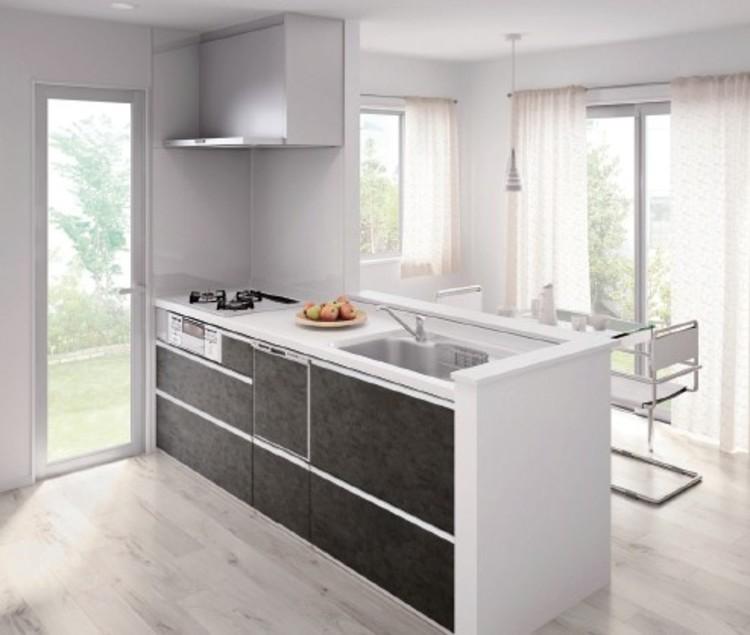 硬質でシャープなコントラストが美しいトレンド感あふれるスタイリッシュなキッチン。日々の家事をサポートする食洗機付です
