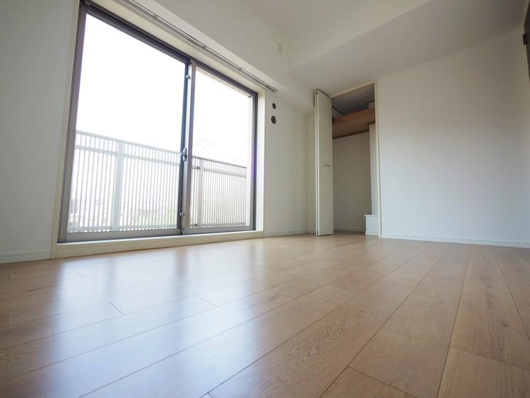 各居室に収納スペースを設けております。