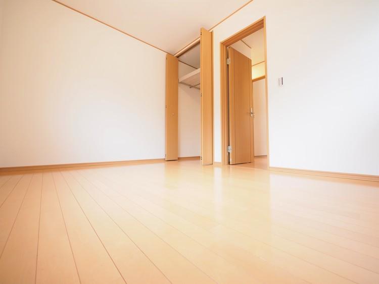 2面採光なのでお部屋が明るいです。