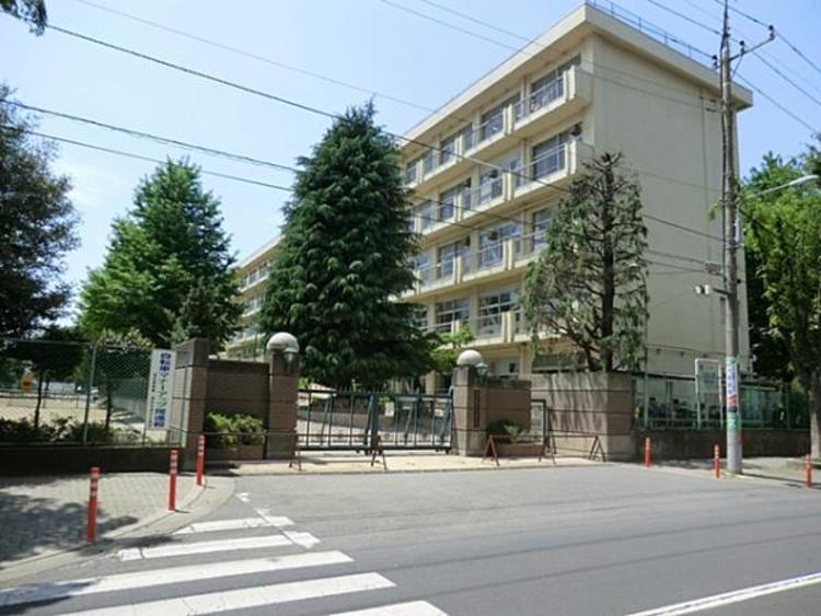 さいたま市立常盤中学校 1700m