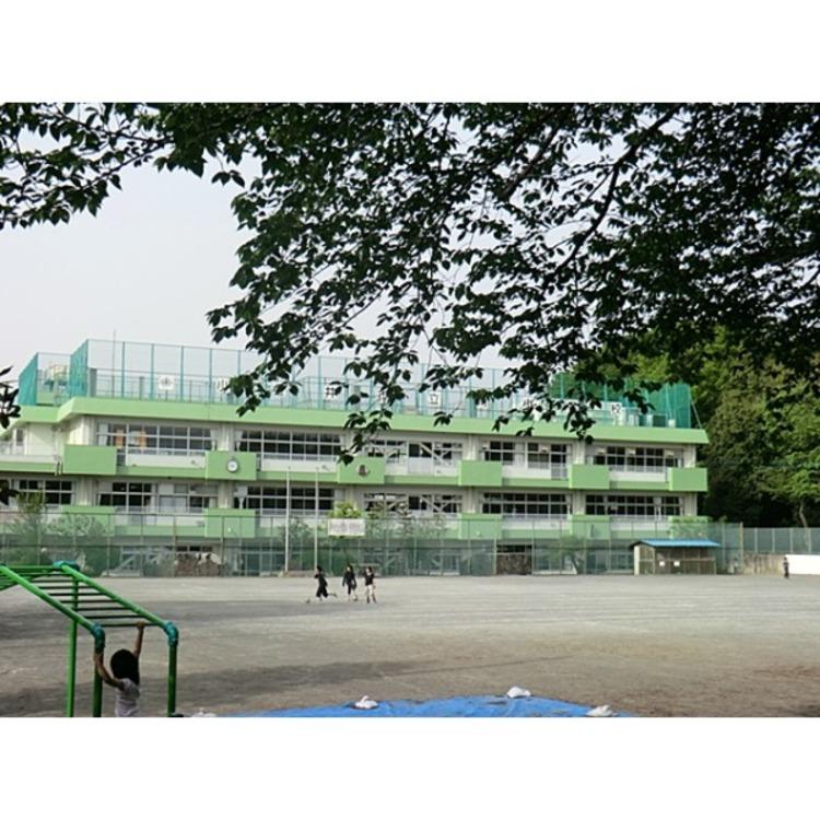 南小学校(約1500m)