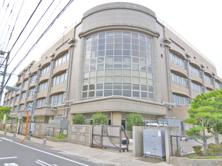 中野島小学校 距離600m
