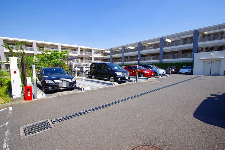 駐車場:空きあり、10000〜15000円