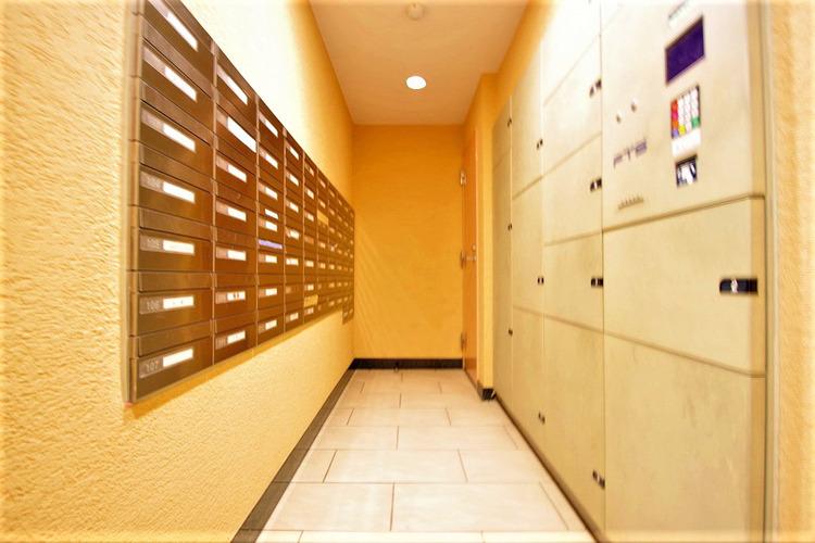 共有部分。便利な宅配ボックス設置で安心便利!