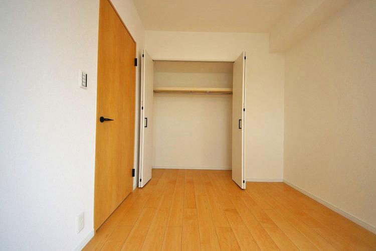 洋室約10.0帖収納スペース