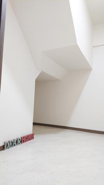階段下には納戸があり、収納もバッチリです!