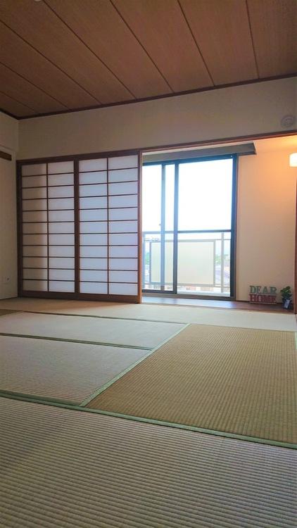 和室には広縁があり、縁側のようにゆったりと過ごせます