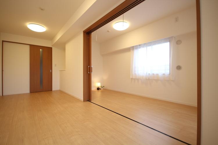 引き戸の開閉で、お部屋を広く使用できます