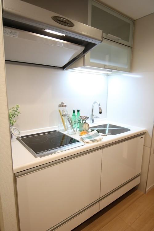 作業に集中できる、壁付けキッチンを採用