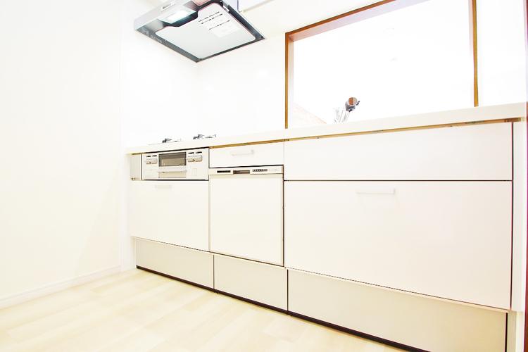 家事も時短につながる、嬉しい食洗機つきのキッチン