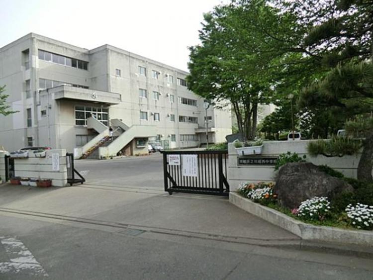 川越市立川越西中学校951m