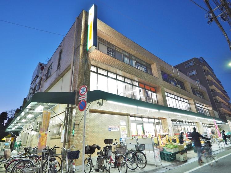 コモディイイダ東新町店まで628m