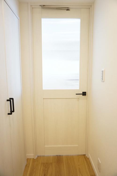 LDKのリビングドアも可愛いです。