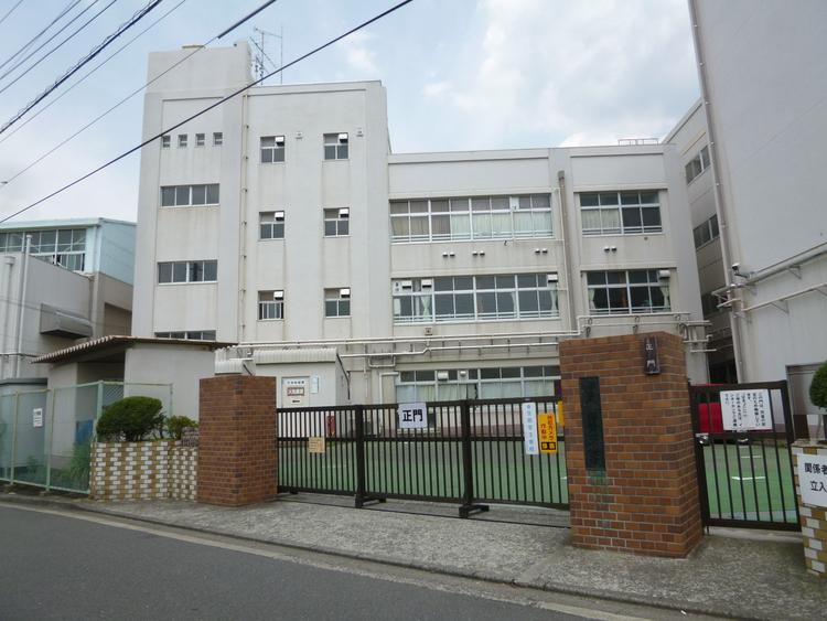 横浜市立青葉台小学校 距離850m
