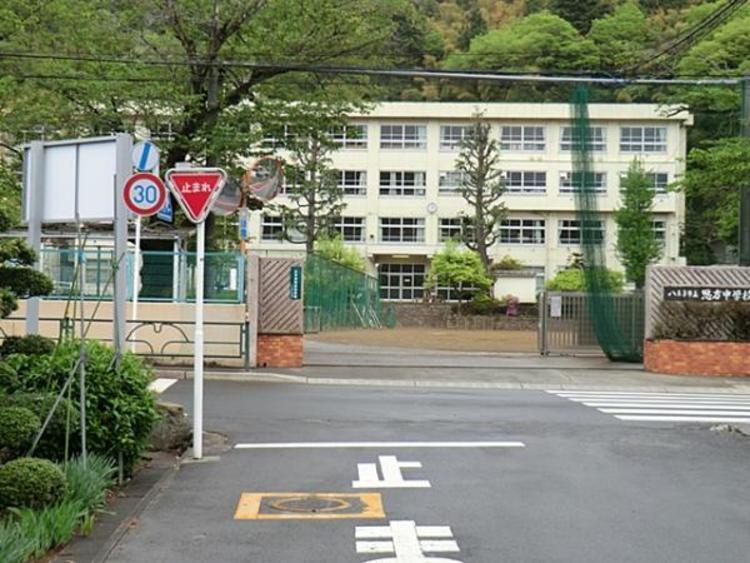 恩方中学校 1762m
