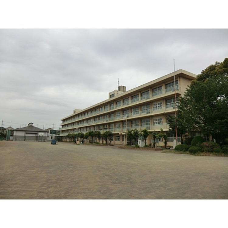 向陽中学校(約1600m)