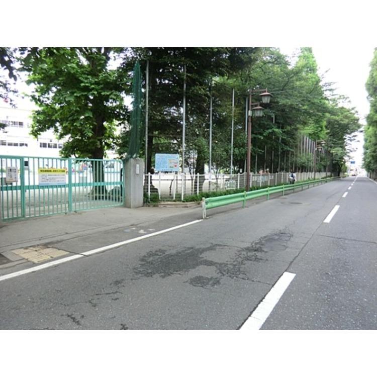 桃井第四小学校(約580m)