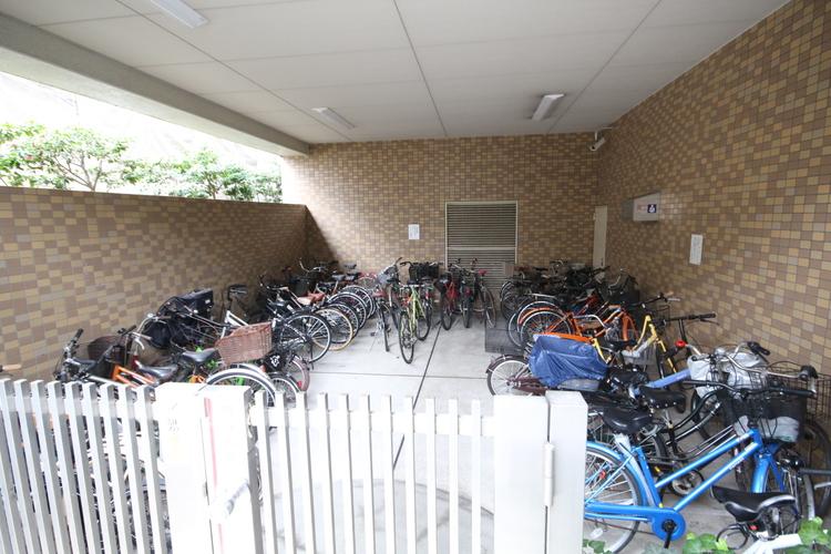 駐車場や駐輪場の空き状況に関してもお気軽にご相談ください