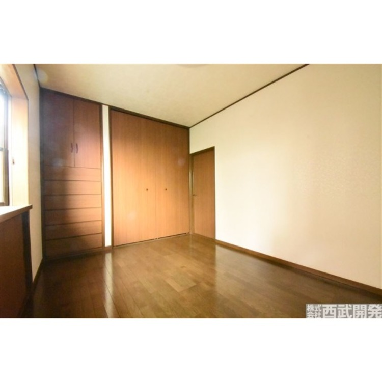 洋室6帖 収納がありお部屋を広々使えます