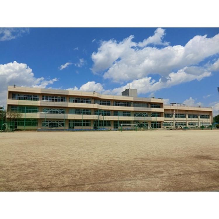 石神小学校(約1010m)