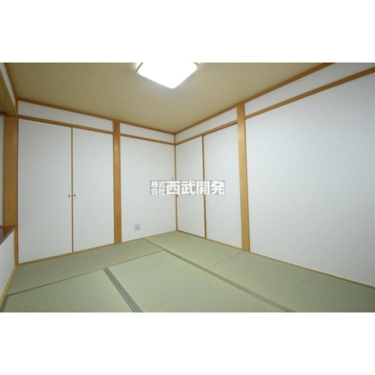 6帖の和室は心安らぐプライベート空間。お子様とのんびりお昼寝できますよ。
