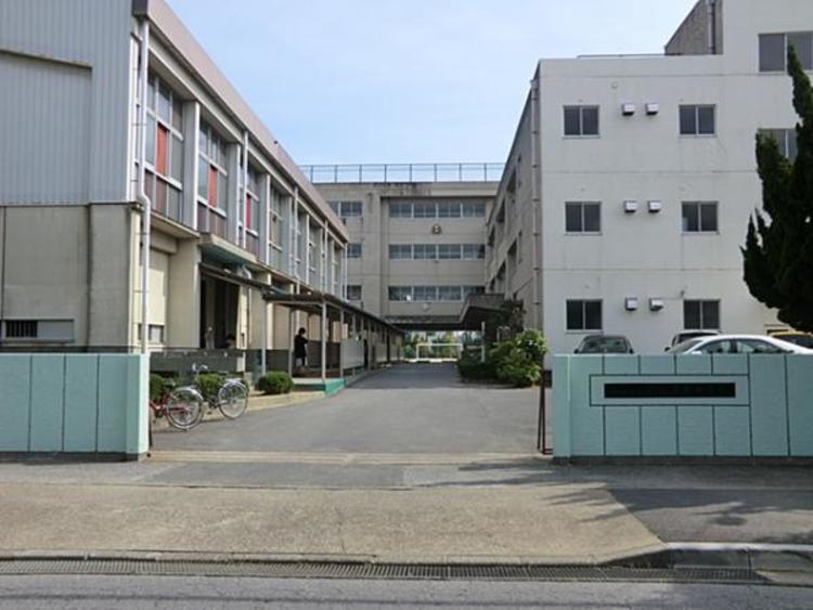 松戸市立新松戸南中学校1090m