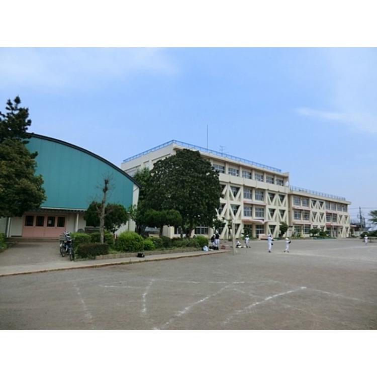 西富小学校(約690m)