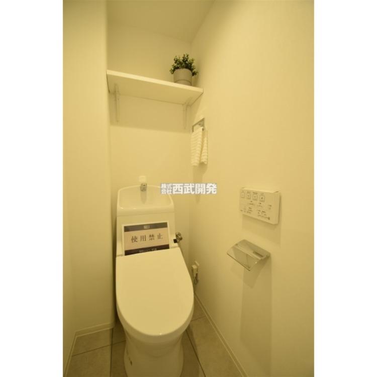 温水洗浄機能付暖房便座を標準装備です。
