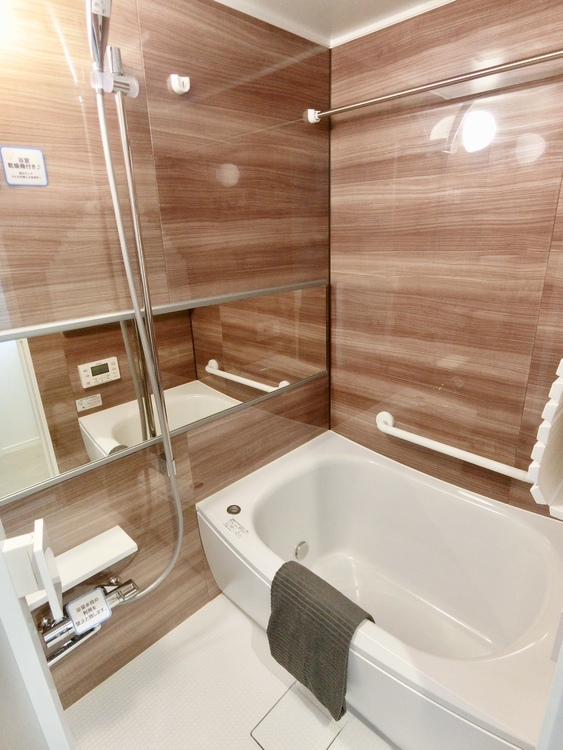 浴室乾燥付き。室内干しや防カビ対策にも便利です。