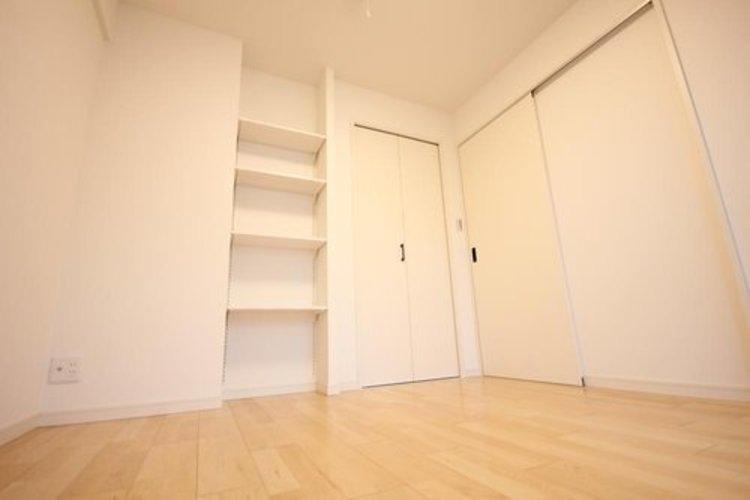 各部屋を最大限に広く使って頂ける様、全居住スペースに収納付。プライベートルームはゆったりと快適に。 ≫