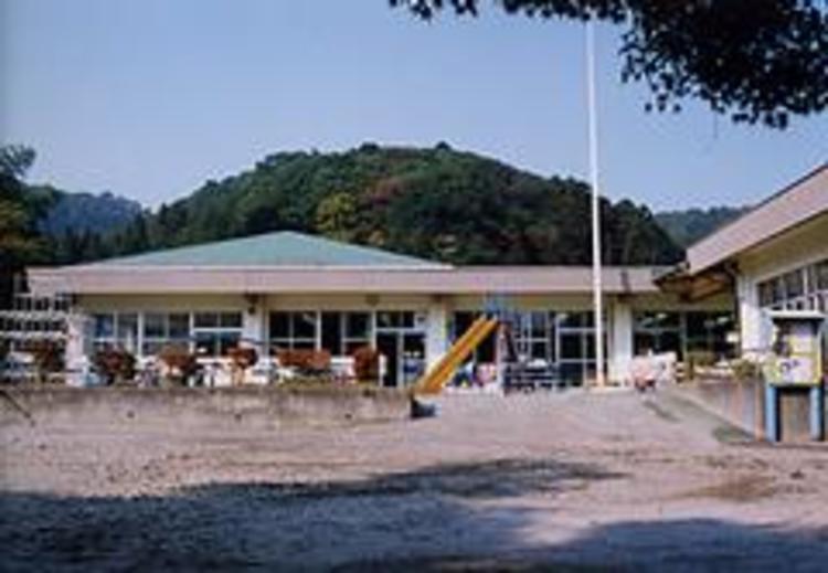 恩方保育園 839m