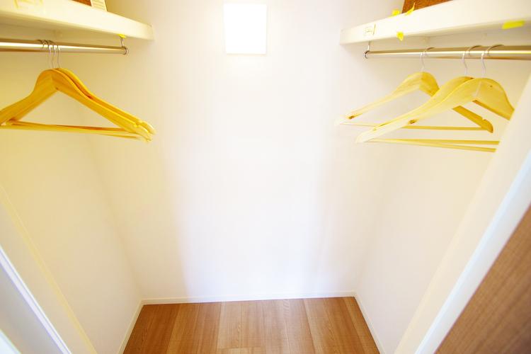 衣類がたくさん収納できる人気の「ウォークインクローゼット」