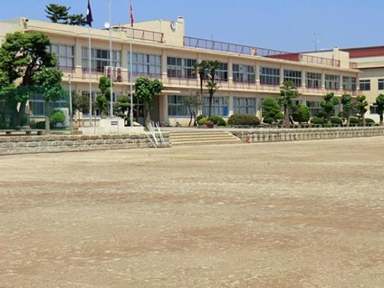 野田市立第一中学校597m
