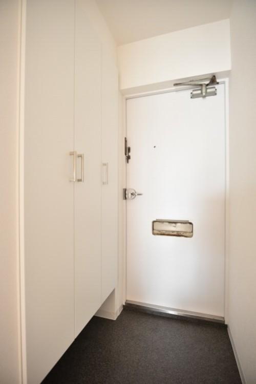 玄関はおうちの顔と言われます。玄関アプローチは、外観デザインの印象を左右します。ご家族の個性を出しながら、素敵な玄関でお客様をお迎えしてください。