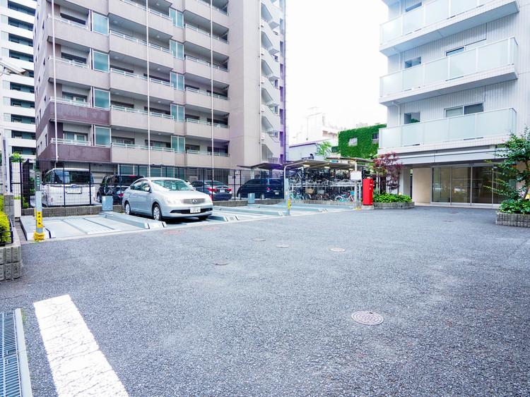 敷地内駐車場。空ありとなっております。詳しい状況はお問い合わせ下さい。