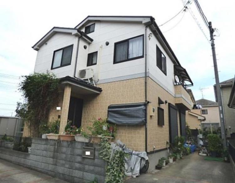 三郷市早稲田8丁目の閑静な住宅街にカースペース2台の中古戸建住宅!