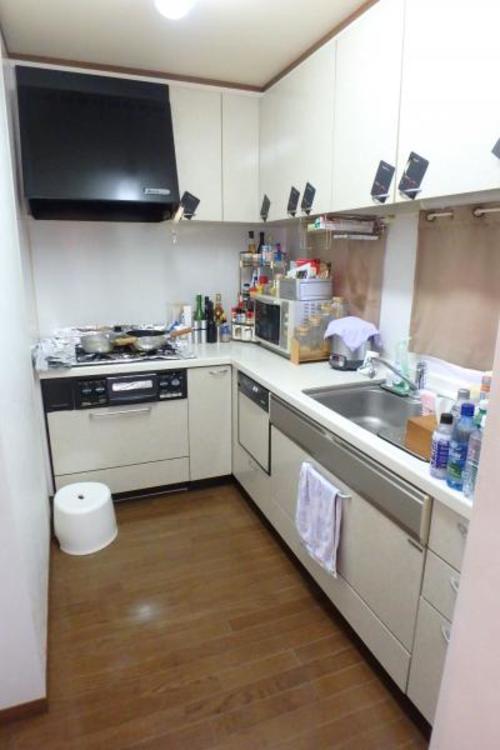 収納量の豊富なキッチンです。