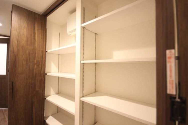 各部屋を最大限に広く使って頂ける様、全居住スペース、廊下にも収納付。プライベートルームはゆったりと快適に。