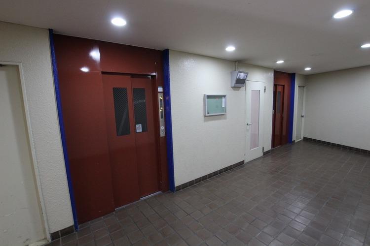 お部屋までの移動も楽々なエレベーター完備