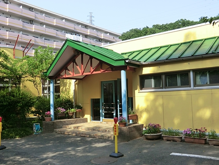 真理学園幼稚園 距離約1600m