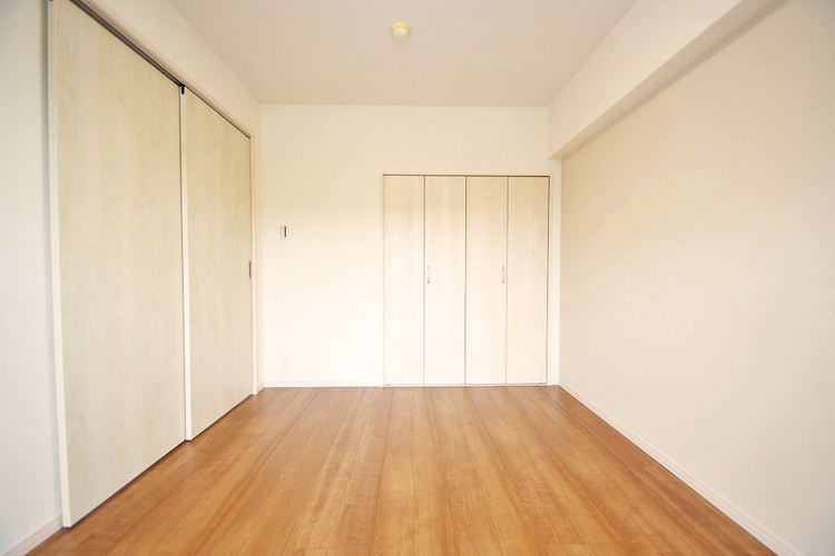 洋室約6.2帖 収納スペース有り