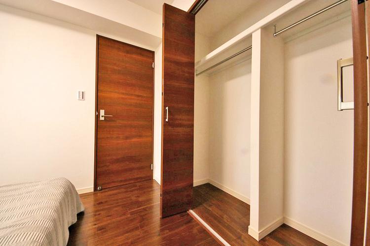 洋室約10.6帖収納スペース