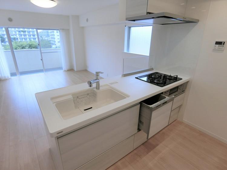 食洗器付き対面式オープンキッチン