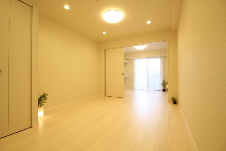 Single向けの1LDK。内装工事を終え、きれいな空間へと生まれ変わりました