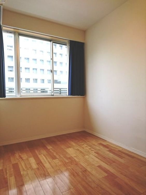 「洋室」各居室収納付き