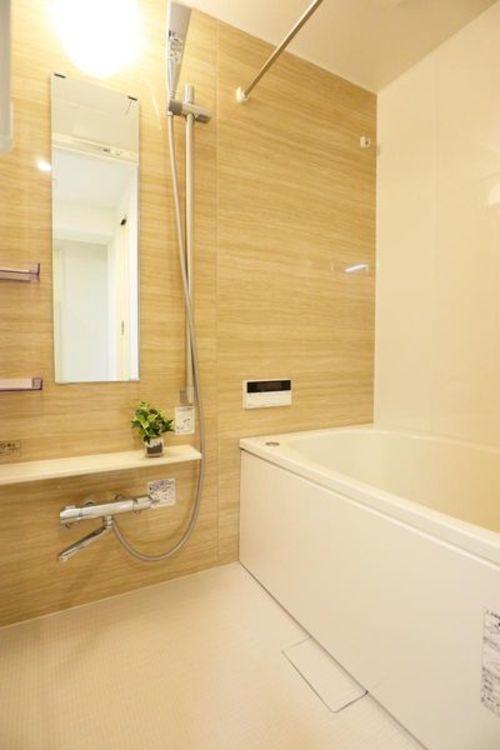 「バスルーム」追い焚き機能・浴室乾燥機付き
